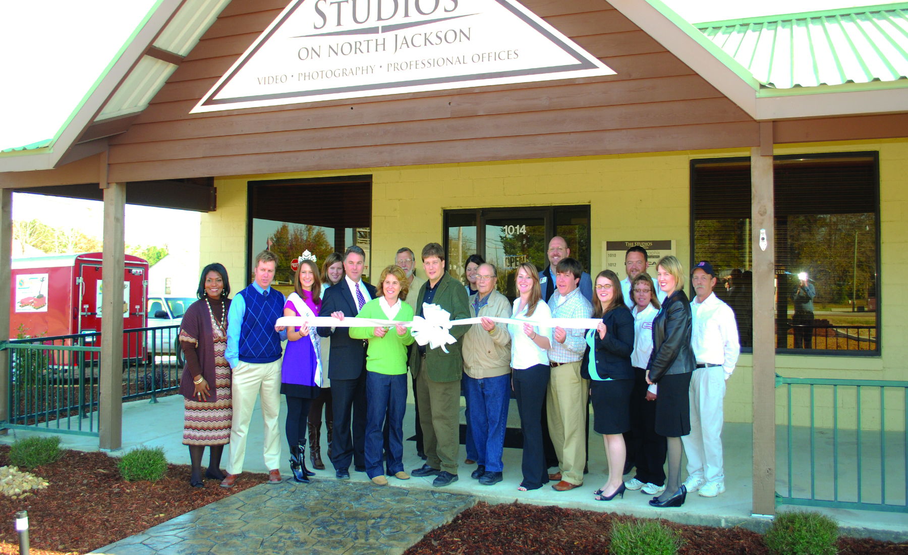 Studios on North Jackson: Ribbon Cutting
